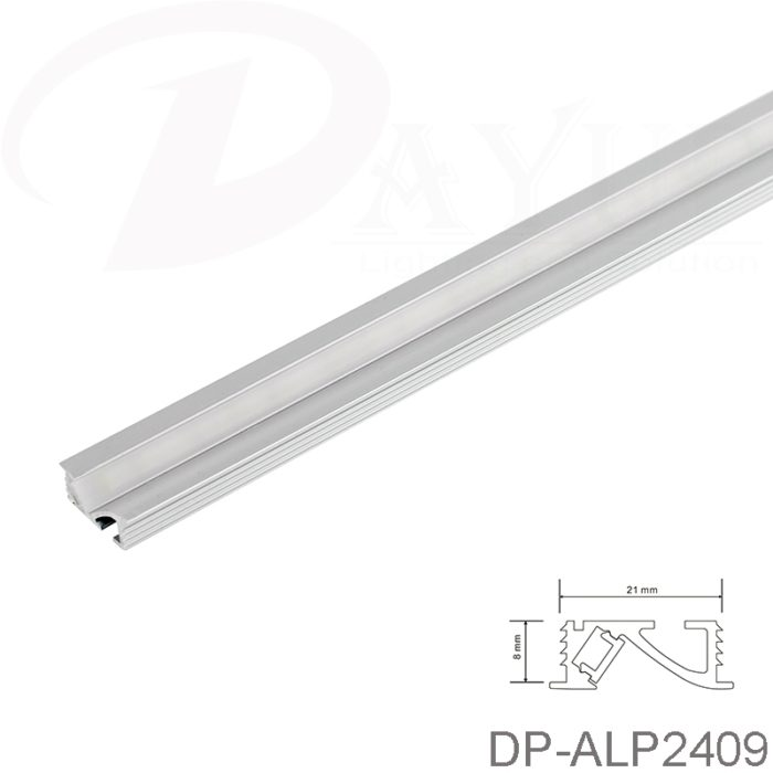 Recessed mounted LED linear light